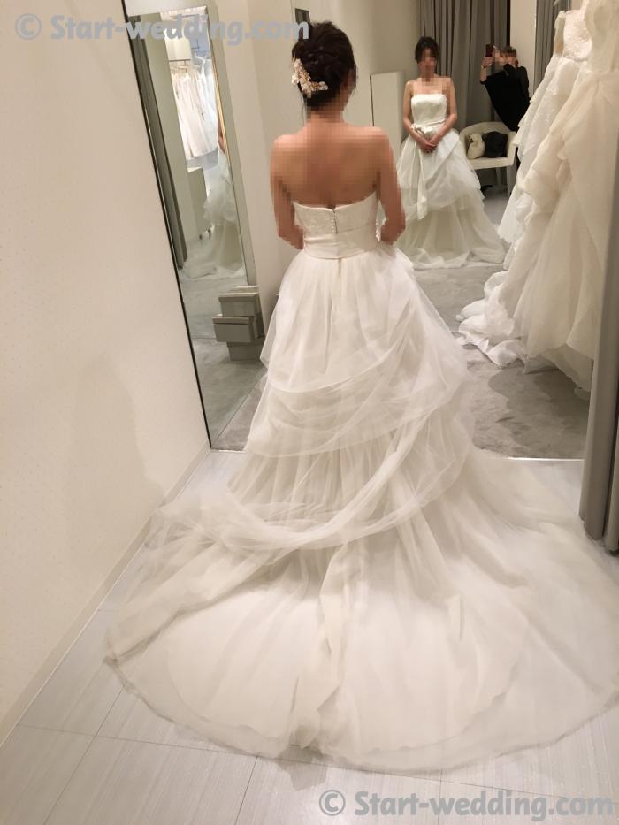 ホワイトバイヴェラウォンのドレス