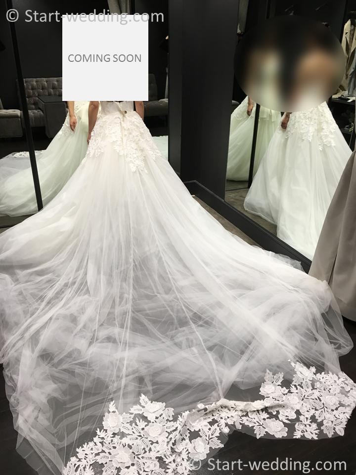 ヴェラウォンのドレス クリスティーナ