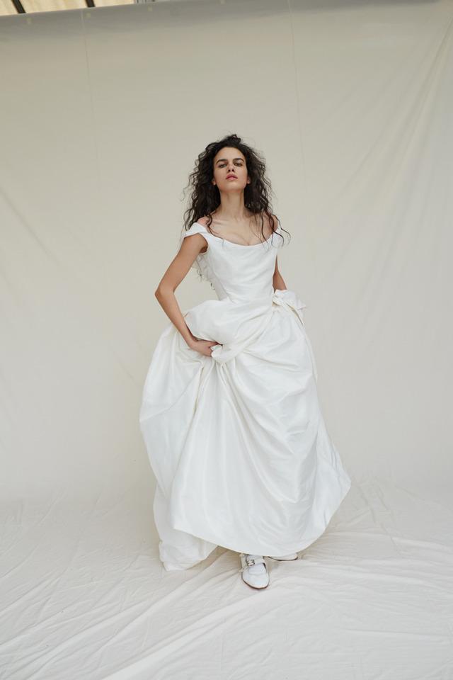 ヴィヴィアンウエストウッド新作ドレス