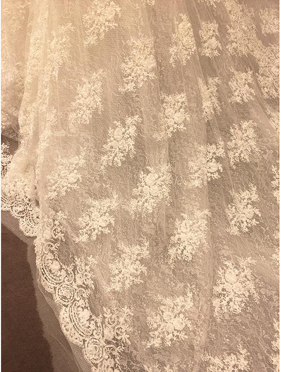 ヨーランクリスのウェディングドレス
