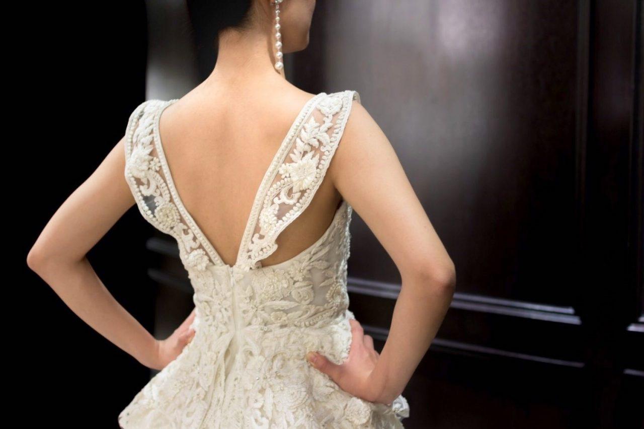 NAEEM KHAN(ナイームカーン)のウェディングドレス紹介