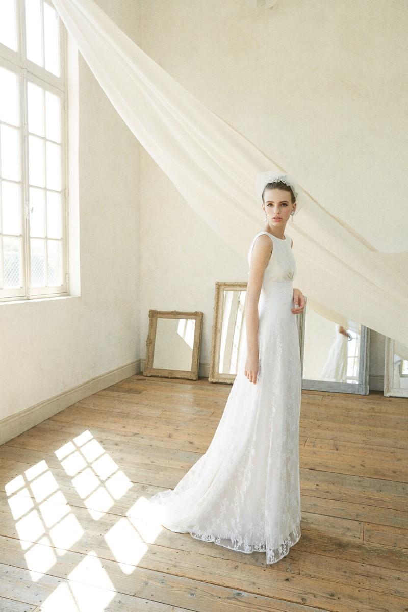 EMMA HUNT(エマ・ハント)のウェディングドレス紹介
