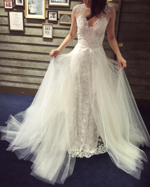 Monique Lhuillier(モニーク・ルイリエ)のウェディングドレス紹介2