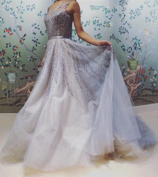 REEM ACRA(リーム・アクラ)のウェディングドレス紹介