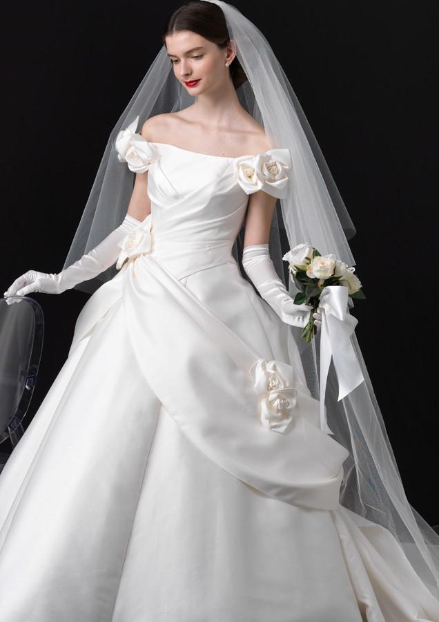 EMarie(エマリーエ)のウェディングドレス紹介